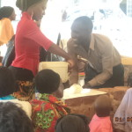 5volunteer demonstrating hand washing